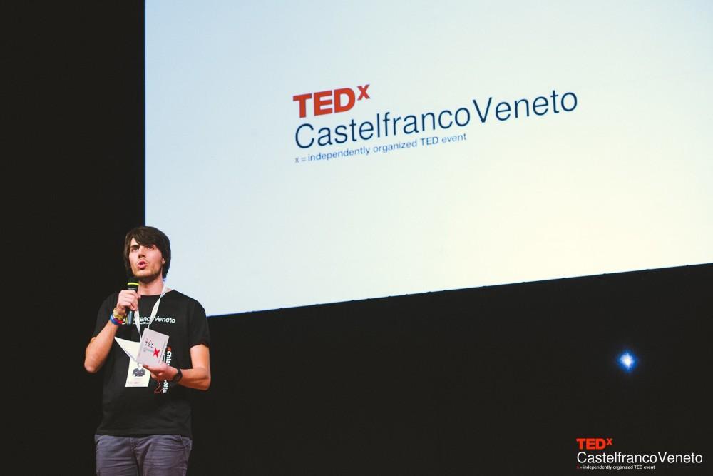 Andrea Vial