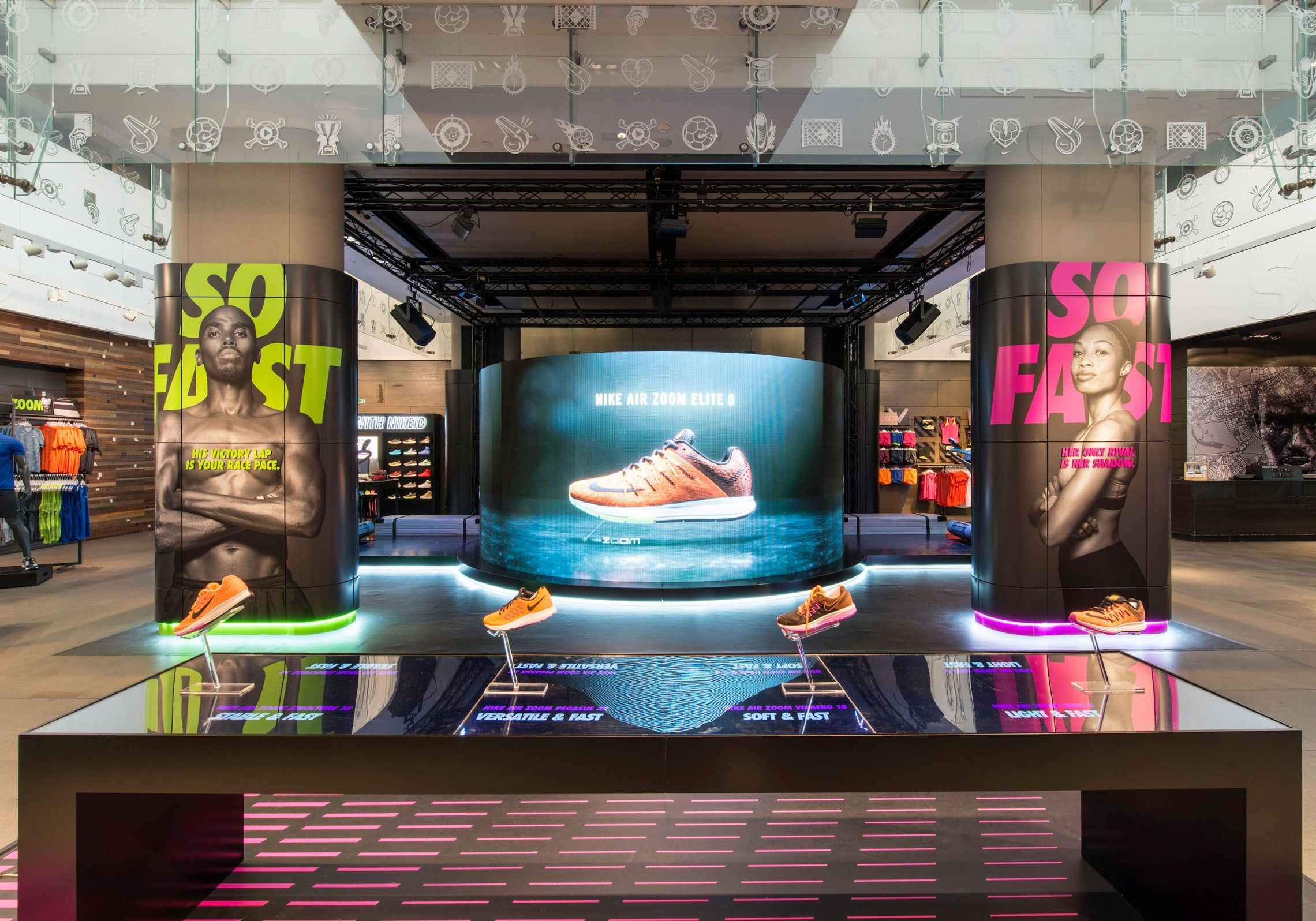 digital signage in store nike