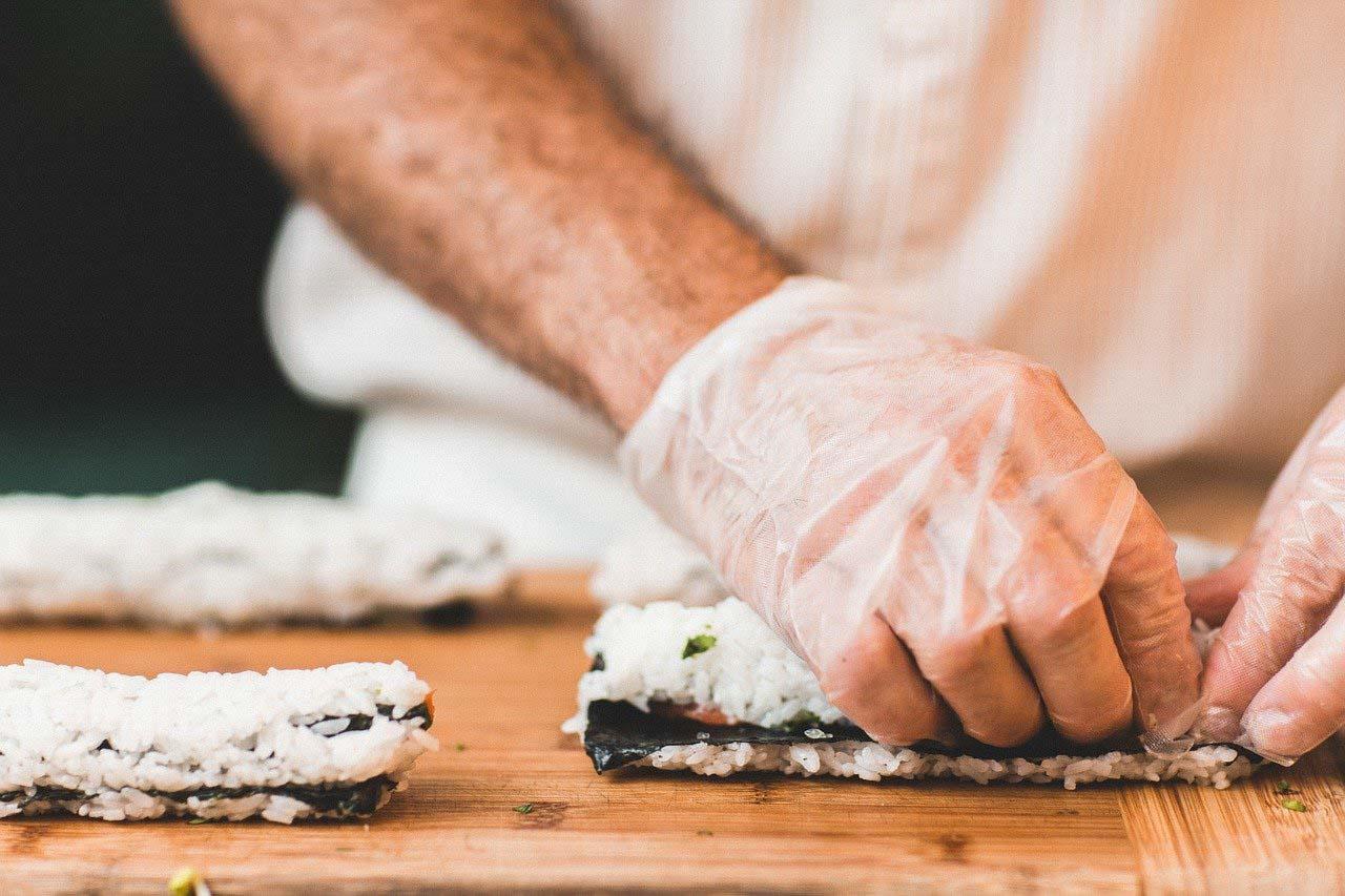 Grazie alle dark kitchen si possono studiare nuovi tipi di menù e raggiungere diverse clientele