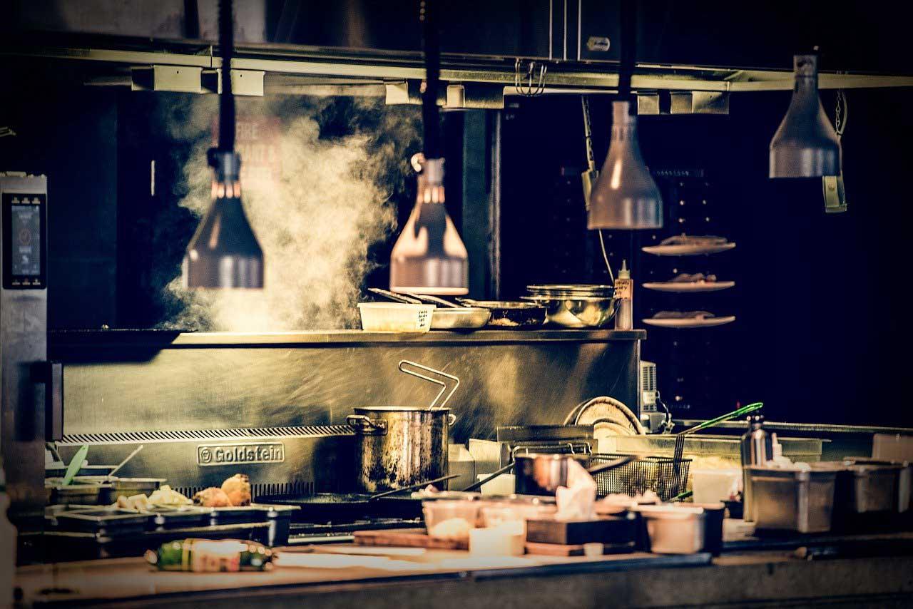 le dark kitchen, cucine professionali senza una sala ristorante, al servizio del food delivery