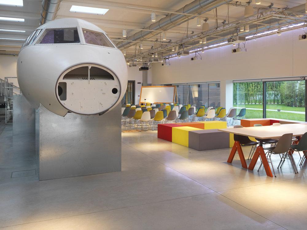 InfiniteArea mette a disposizione spazi coworking, sviluppando la collaborazione e nuove idee